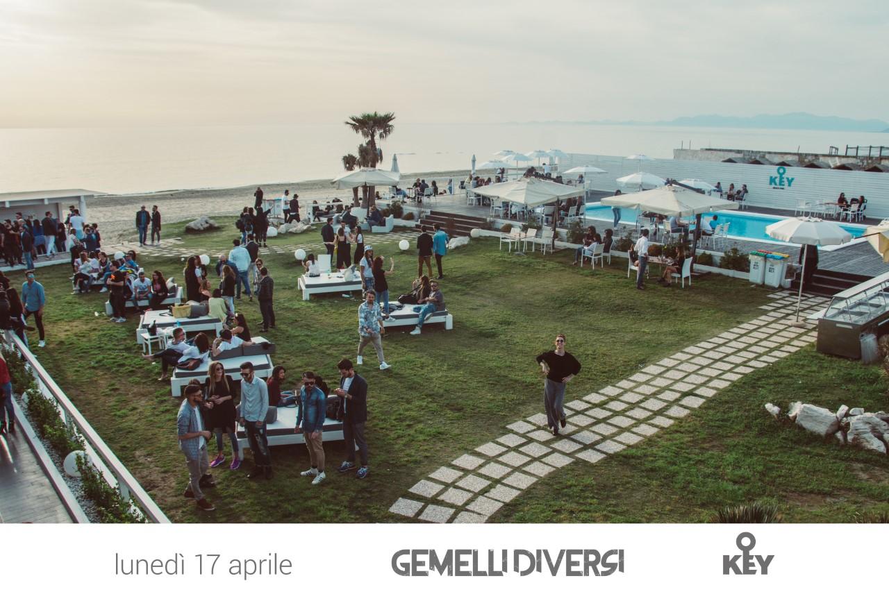 Pasquetta al key beach live gemelli diversi mc cultura - Gemelli diversi a chiara piace vivere ...